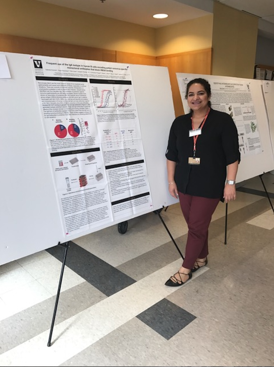 Gaby Alvarado presents an update on her research to symposium attendees