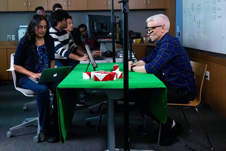 Anderson Cooper about to start the block design test
