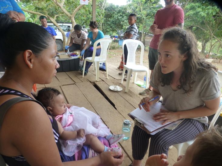 After graduating from the MPH program, Jessica Hinshaw (2016) began working with AMOS in Nicaragua.