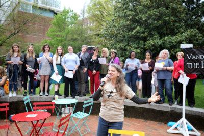 Biggest Balcony Scene led by Nashville Shakespeare Festival's Denice Hicks