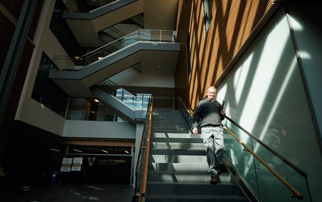 The building expansion at the School of Nursing created a new five-story structure featuring a state-of-the-art simulation lab, high-tech classrooms and student services offices. (Joe Howell/Vanderbilt)