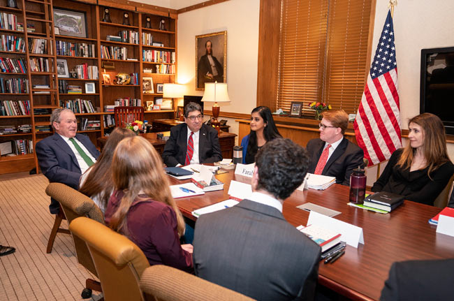 "The president's campus visits included stops at an undergraduate-level class taught by Chancellor Nicholas S. Zeppos and Distinguished Visiting Professor Jon Meacham titled ""Hours of Crisis in U.S. History."" (Joe Howell/Vanderbilt)"