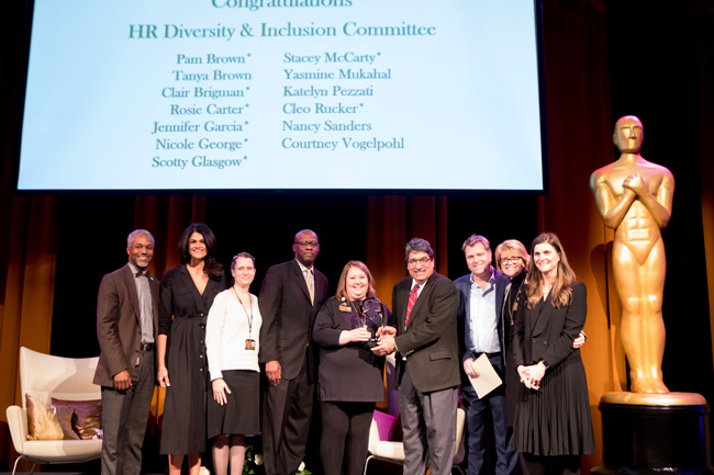 Vice Chancellor for Equity, Diversity and Inclusion James E. Page Jr. (far left) and Chancellor Nicholas S. Zeppos (fourth from right) with members of the HR Diversity and Inclusion Committee, who won the team Diversity Leadership Award (Susan Urmy/Vanderbilt)