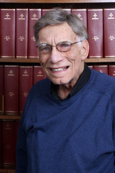 photo of Professor Robert Fox in the Vanderbilt Department of Psychology)