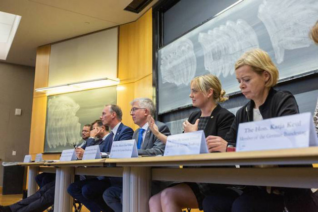The Hon. Marja-Liisa Völlers, a member of the German Bundestag, discusses gender disparities in the German national parliament during a visit to a Vanderbilt undergraduate class. (Vanderbilt University)