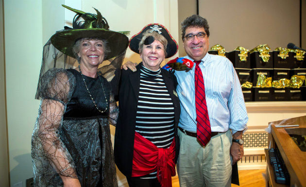(L to r) Dean Camilla Benbow, Heart and Soul award recipient Janet Roberts, and Chancellor Nicholas S. Zeppos at a Peabody staff brunch on Halloween where Roberts was surprised with the award. (Anne Rayner/Vanderbilt)