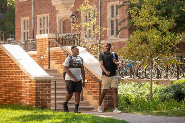 Students at E. Bronson Ingram College (John Russell/Vanderbilt)