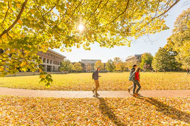 Students walk on campus near Wilson Hall. (Vanderbilt University)
