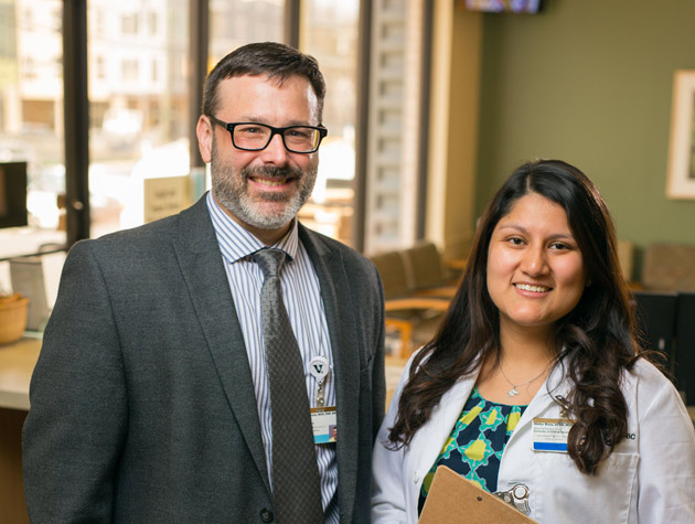 Christian Ketel, DNP'14, and Shelza Rivas, DNP'17, MSN'15, BA'12, earned their Doctor of Nursing Practice degrees at VUSN and are nursing faculty at the school. (Daniel Dubois/Vanderbilt)