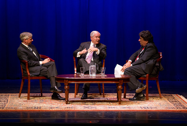 L-r: Jon Meacham, Robert Gates and Chancellor Nicholas S. Zeppos (Joe Howell/Vanderbilt)