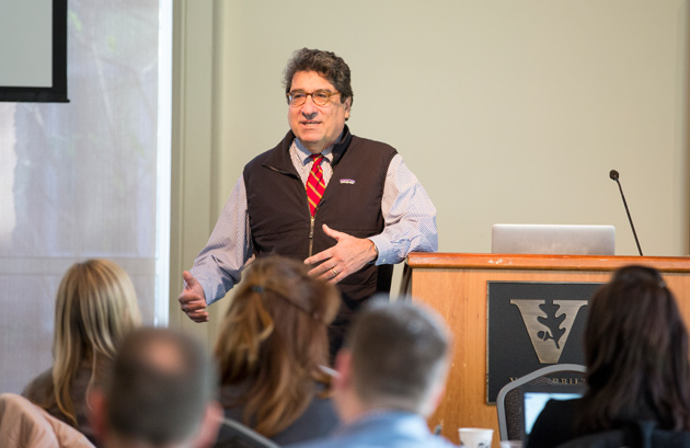 Chancellor Nicholas S. Zeppos addresses the University Staff Advisory Council on March 13. (Joe Howell/Vanderbilt)