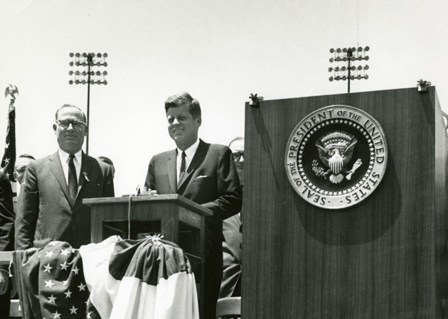 L-r: William H. Vanderbilt and President John F. Kennedy, who delivered the Founder's Day address for Vanderbilt's 90th convocation on May 18, 1963. (Vanderbilt University Photographic Archives)