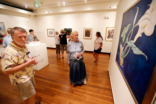 Students enrolled in an Osher Lifelong Learning class view renowned art at the Van Vechten Art Gallery, thanks to a new VU-Fisk partnership. (Steve Green/Vanderbilt)