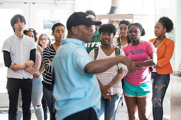 Prominent historian Dr. Bobby Lovett captivated students in the Historic Black Nashville University Course with stories of Fort Negley's role in the Civil War. (Vanderbilt University)