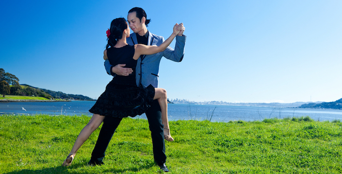 pair of tango dancers outdoors