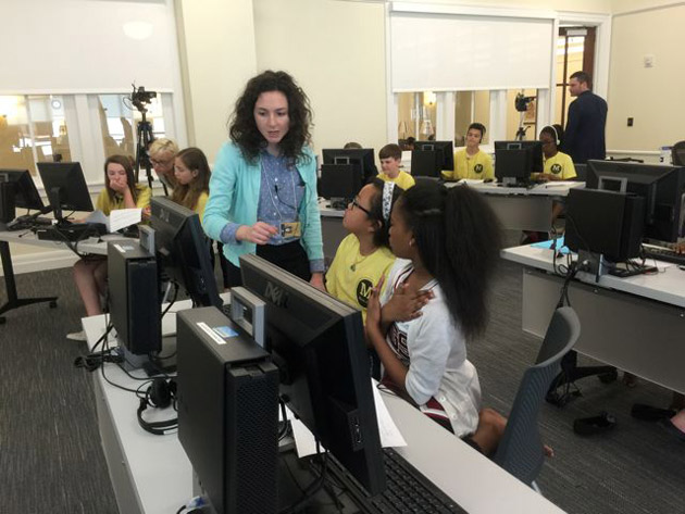 Peabody doctoral student Jennifer Kahn provides hands-on instruction to Metro Schools students learning to digitally map the city's and their own personal histories.