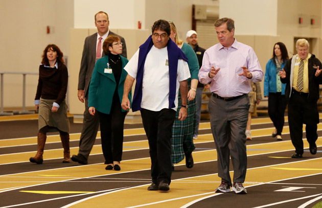Chancellor Nicholas S. Zeppos and Mayor Karl Dean at the Senior Leader Walk Dec. 2. (Anne Rayner/Vanderbilt)