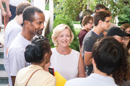 Wente greets families during first-year student move-in at The Martha Rivers Ingram Commons in August.
