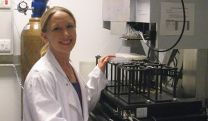 New faculty: Lauren Parker Jackson, BS'03, examines the movement of protein molecules within cells