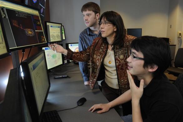 Velkovska and students at computer