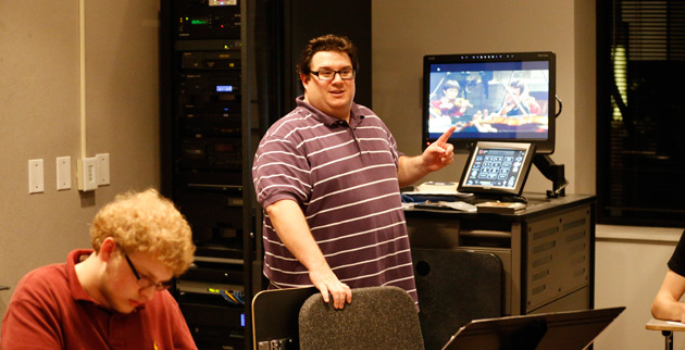 James Maiello teaches music history to students in the Blair precollege program. (Joe Howell/Vanderbilt)