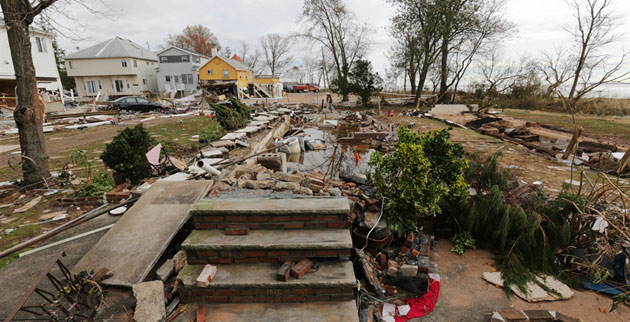 Hurricane Sandy devastates Staten Island, N.Y. (John Makely/NBC News)