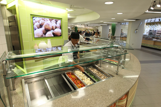 Among the upgrades at Rand Hall are easy-to-navigate dining service areas. (Steve Green/Vanderbilt)