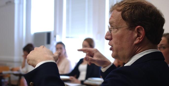 Tom Schwartz teaches a class at Vanderbilt (Daniel Dubois/Vanderbilt)