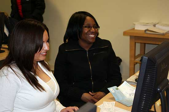 Vanderbilt families earning less than $57,000 per year in 2012 qualify for free tax preparation assistance through the VITA program. (photo courtesy of United Way of Metropolitan Nashville)