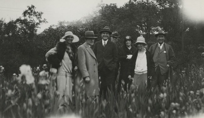 Visitors to the Kirkland iris gardens, 1928. (James H. Kirkland Papers, Vanderbilt University Special Collections)