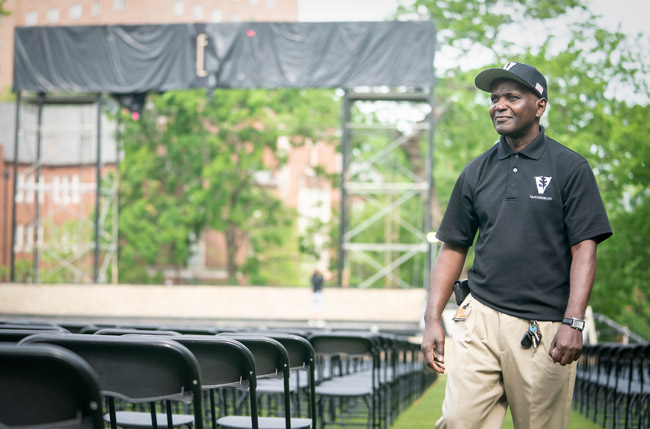 Plant Operations supervisor Randy Smith surveys chairs set up on Alumni Lawn ahead of Commencement ceremonies on May 10. (Joe Howell/Vanderbilt)