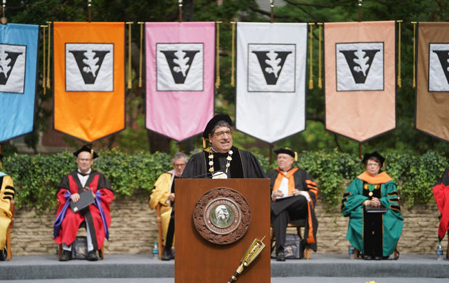 Zeppos offers 'eight words' of advice in farewell Commencement address