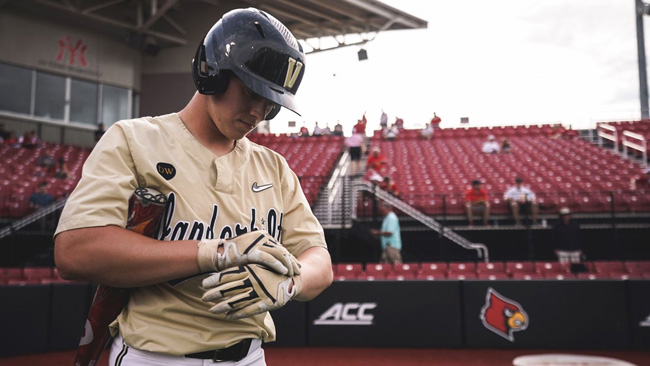 Watch: Commodore Nation sends Vandy Boys off to Omaha