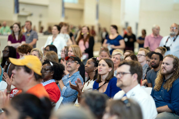 About 1,000 Vanderbilt employees and members of the Nashville community attended a meet-the-candidates picnic inside the Recreation and Wellness Center (photo by Joe Howell of Vanderbilt University