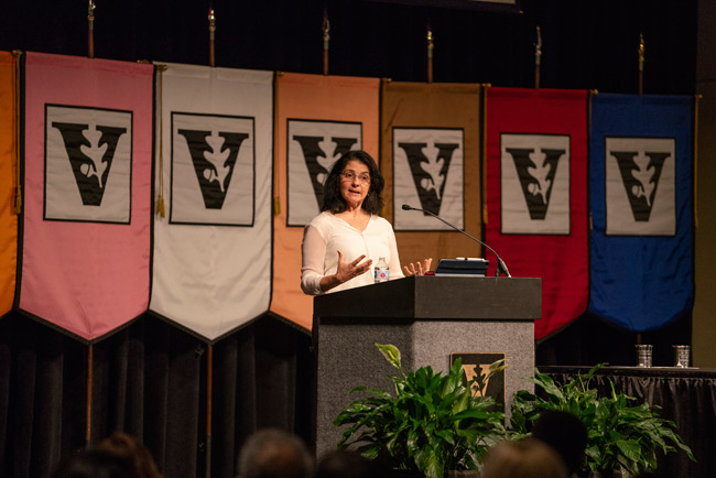 Associate Professor of Psychology Suzana Herculano-Houzel shared her research on how the evolution of human brain function differentiates human beings from other animals during the Fall Faculty Assembly. (Joe Howell/Vanderbilt)