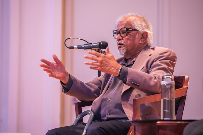 "Activist and author Arun Gandhi, the grandson of Mohandas ""Mahatma"" Gandhi, gave the Peabody College Dean's Diversity Lecture on Sept. 16. (Anne Rayner/Vanderbilt)"