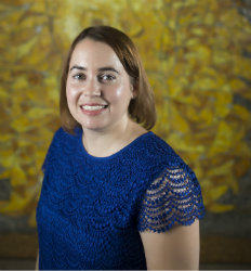 headshot of Professor Lisa Fazio