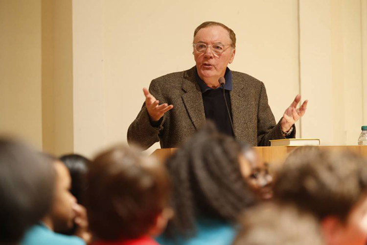 Bestselling author and Vanderbilt alumnus James Patterson speaking on the Peabody College campus in 2014. (John Russell/Vanderbilt)