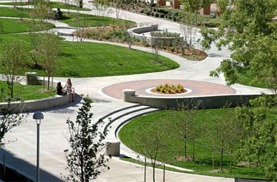 In the West End Neighborhood, former surface parking lots, roads and alleyways have been transformed into green space to create an environment more conducive for student gatherings and events. (Vanderbilt University)