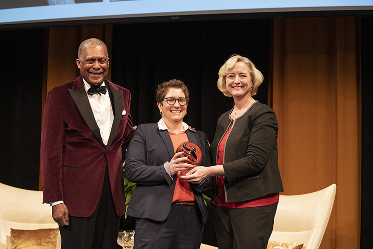 L-r: Interim Vice Chancellor for Equity, Diversity and Inclusion Dr. Andre Churchwell, Diversity Leadership Award winner Fran Spurrier and Interim Chancellor and Provost Susan R. Wente (Joe Howell/Vanderbilt)
