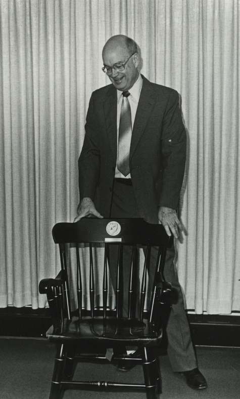 Frank Grisham receives his 25-year chair in 1982. (Vanderbilt University Special Collections and Photo Archives)