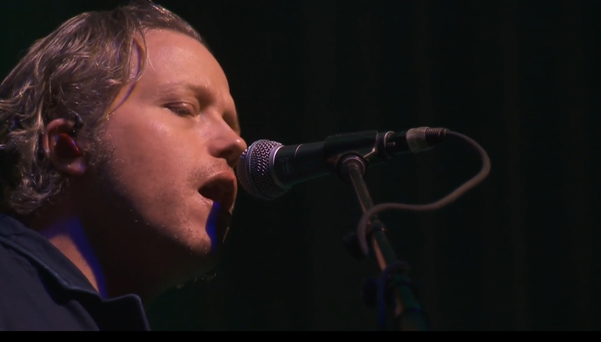 Jason Isbell, entertainers and university leaders come together to thank Vanderbilt community
