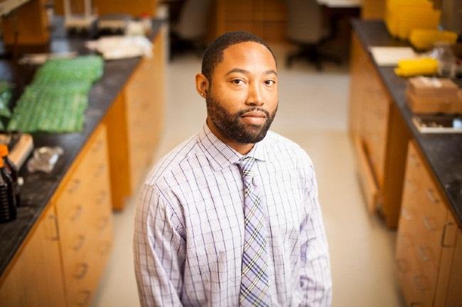 Vanderbilt chemist wins David Y. Gin Young Investigator Award