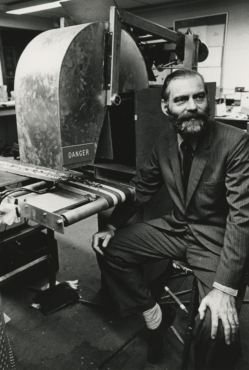 photo of Charles Roos, a Vanderbilt physics professor, and his electro-magnetic metal sorter, in 1972