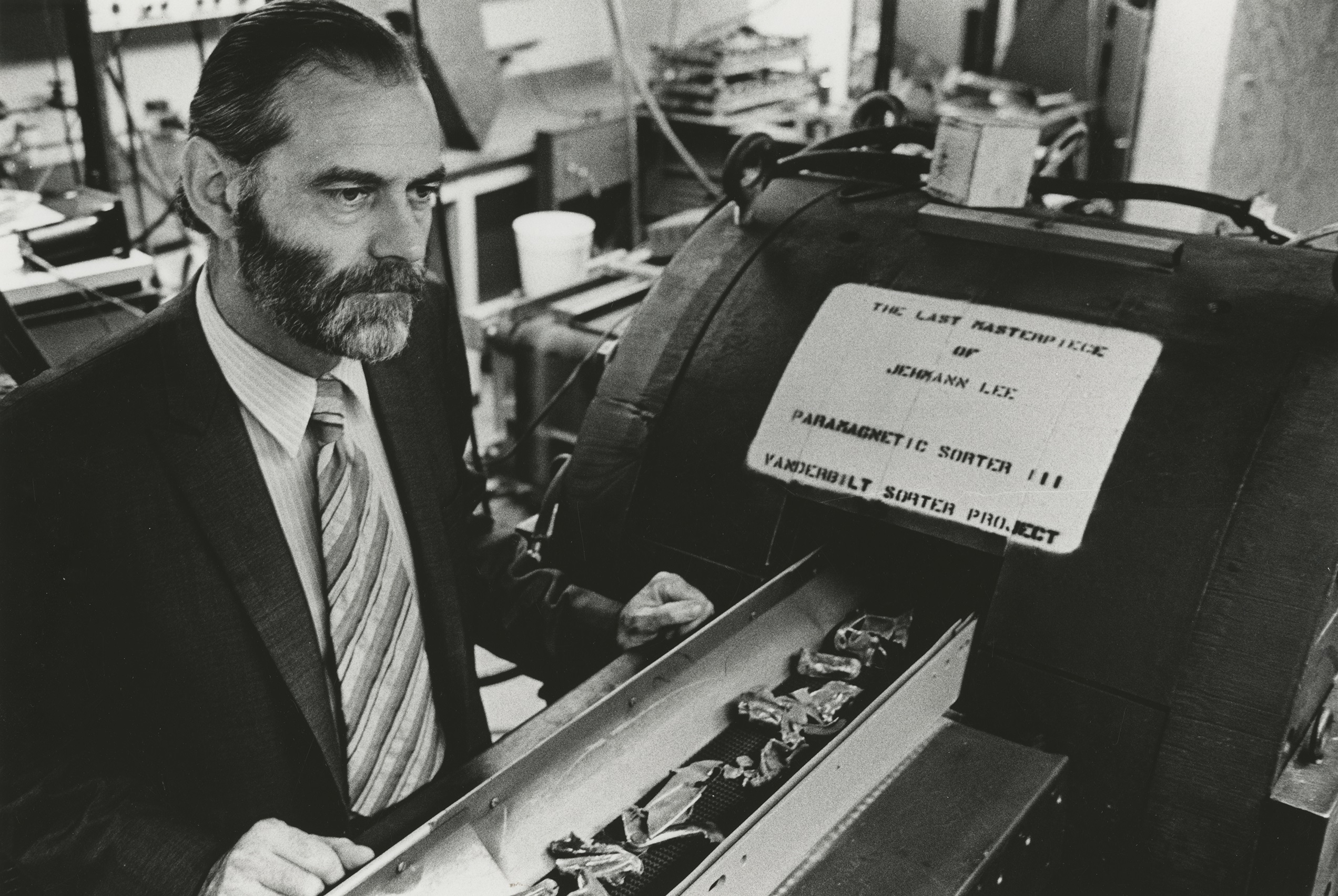 Roos, emeritus physics professor and pioneer in recycling technology, has died
