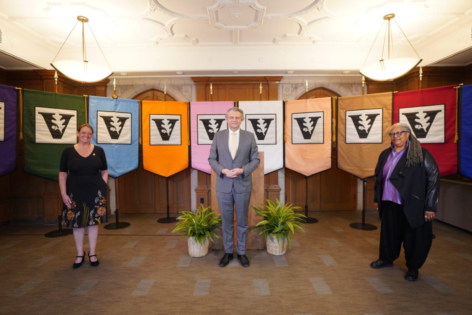 L-r: Faculty Senate Chair Catherine McTamaney, Chancellor Daniel Diermeier and Divinity School Dean Emilie Townes. (John Russell/Vanderbilt)