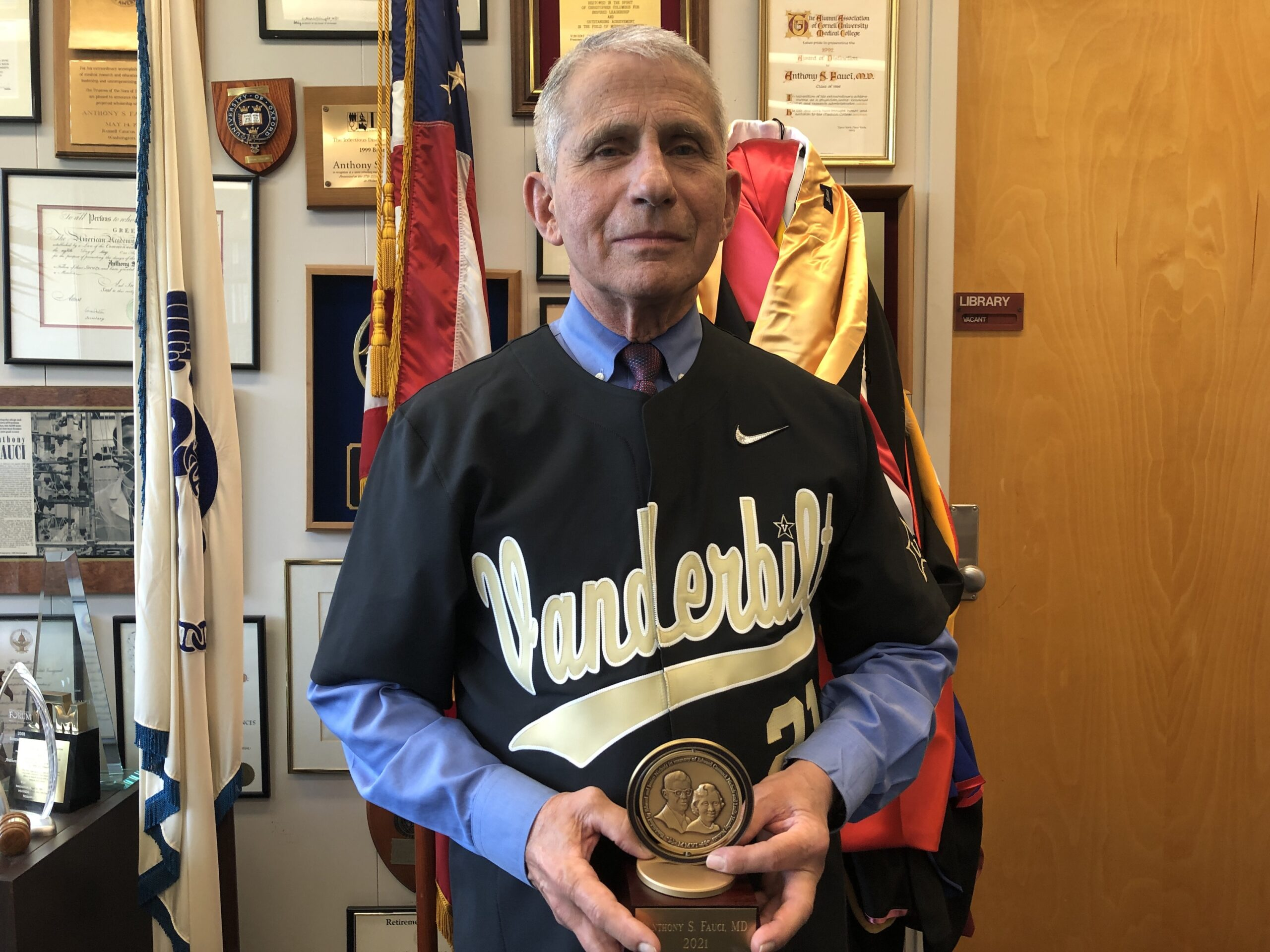 Dr. Anthony Fauci encourages Class of 2021 to lead by unifying country around shared health goals