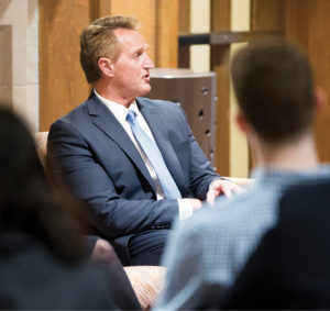 photo of Jeff Flake talking to students in a classroom