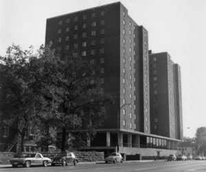 Carmichael Towers East overlooking West End Avenue in 1966 (VANDERBILT SPECIAL COLLECTIONS AND UNIVERSITY ARCHIVES)