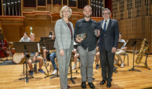 Ryan Middagh, director of jazz studies, wins Chancellor's Cup thumbnail image